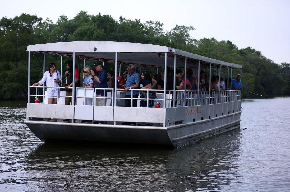 A wonderful pontoon tour in New Orleans